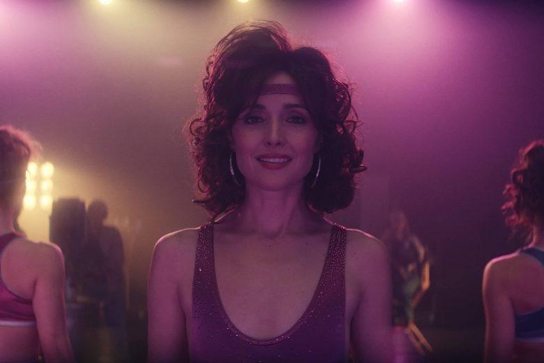 "Rose Byrne como Sheila Rubin en ""Physical"""
